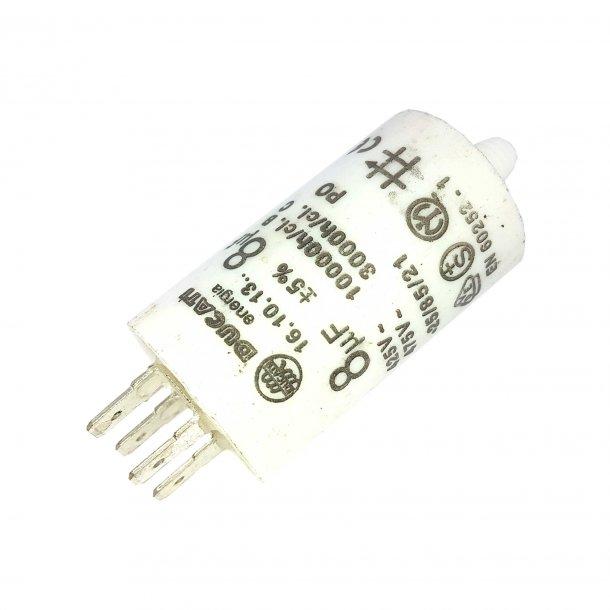 Kondensator 8uF / 425V